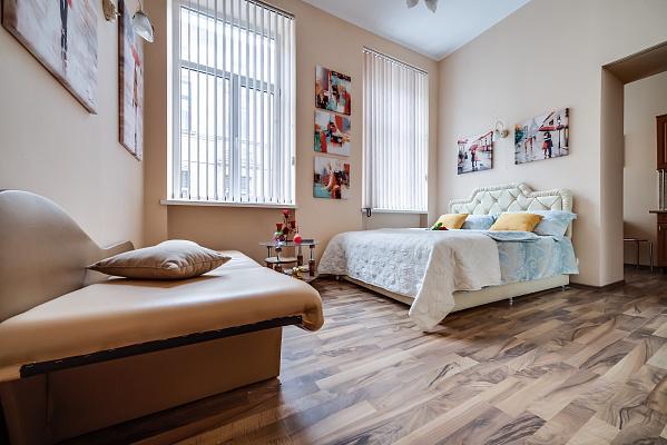 1-комнатная квартира посуточно в Львове. Галицкий район, пр-т Свободы, 35. Фото 1