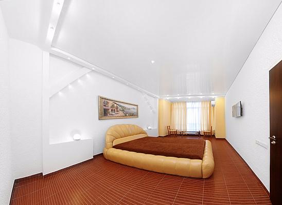 2-комнатная квартира посуточно в Одессе. Приморский район, б-р Французский, 22 корпус 3. Фото 1