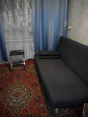 3-комнатная квартира посуточно в Южноукраинске. ул. Дружбы народов, 18. Фото 1