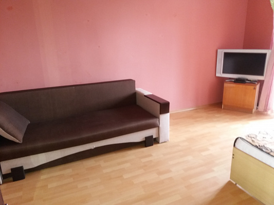 2-комнатная квартира посуточно в Берегово. пер. Мукачевский, 5-Б. Фото 1