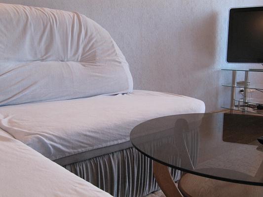 1-комнатная квартира посуточно в Полтаве. Октябрьский район, Ул.Черновола, 2-Б. Фото 1