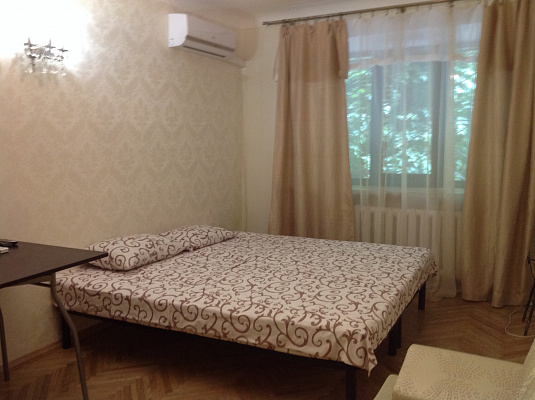 1-комнатная квартира посуточно в Киеве. Печерский спуск, 11. Фото 1