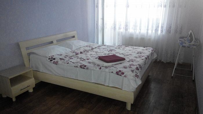 3-комнатная квартира посуточно в Луцке. ул. Кравчука, 15-Б. Фото 1