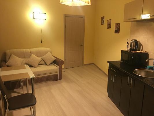1-комнатная квартира посуточно в Днепропетровске. ул. Глинки, 2. Фото 1