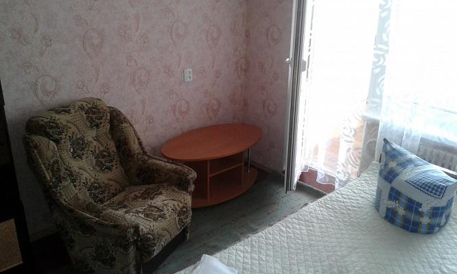 1-комнатная квартира посуточно в Ровно. ул. Степана Бандеры, 44. Фото 1