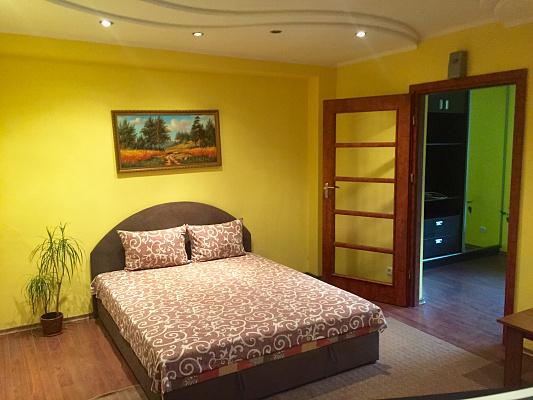 2-комнатная квартира посуточно в Луцке. ул. Ивана Франко, 2. Фото 1