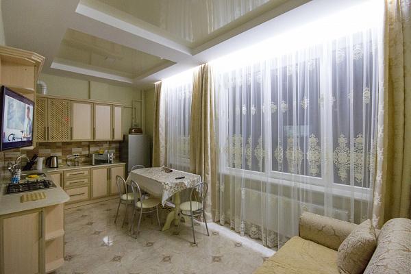 1-комнатная квартира посуточно в Трускавце. ул. Маркиана Шашкевича, 3. Фото 1