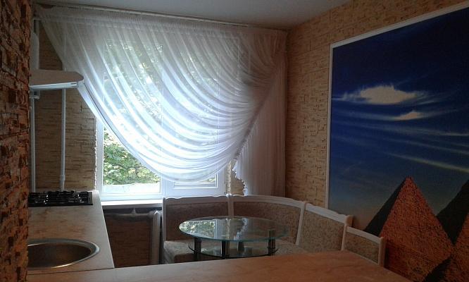 1-комнатная квартира посуточно в Херсоне. Суворовский район, ул. Железнодорожная, 24. Фото 1