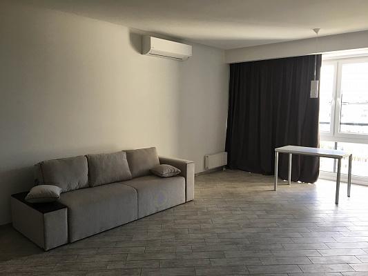 2-комнатная квартира посуточно в Днепропетровске. Кировский район, пр-т А. Поля, 16. Фото 1