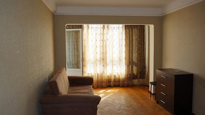 1-комнатная квартира посуточно в Киеве. ул. Маршала Малиновского, 3Б. Фото 1