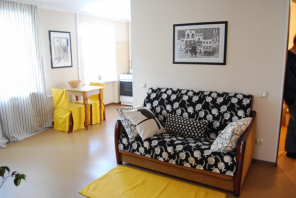 2-комнатная квартира посуточно в Ровно. ул. Княгини Ольги, 17. Фото 1