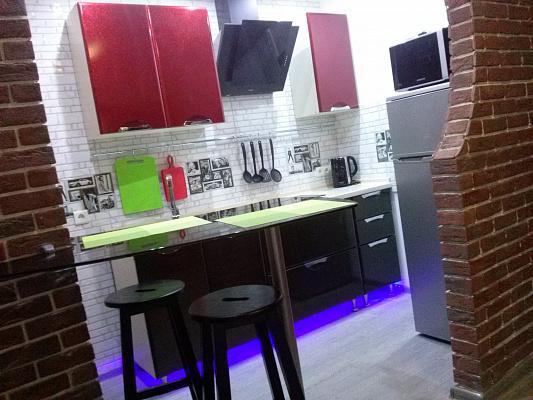 2-комнатная квартира посуточно в Киеве. Деснянский район, ул. Радунская, 30. Фото 1