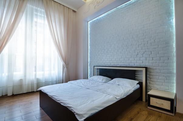 2-комнатная квартира посуточно в Львове. Галицкий район, ул. Петра Дорошенко, 11. Фото 1