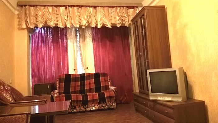 2-комнатная квартира посуточно в Киеве. Шевченковский район, пр-т Победы, 17. Фото 1