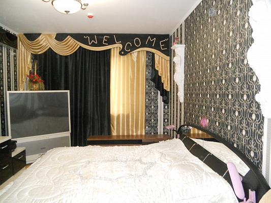 1-комнатная квартира посуточно в Киеве. Деснянский район, пр-т Владимира Маяковского, 1-В. Фото 1