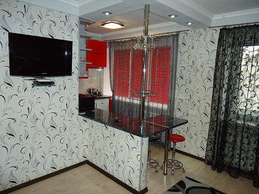 1-комнатная квартира посуточно в Ровно. пр-т Мира, 16. Фото 1