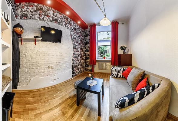 1-комнатная квартира посуточно в Львове. Галицкий район, ул. Ужгородская, 8. Фото 1