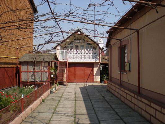 Дом  посуточно в Берегово.  ул. Стефаника, 41. Фото 1