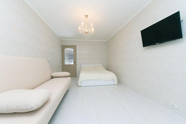 1-комнатная квартира посуточно в Киеве. ул. Панаса Саксаганского, 54/56. Фото 1