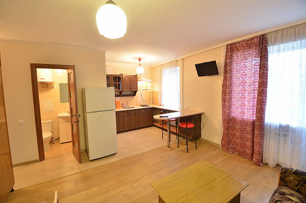 1-комнатная квартира посуточно в Николаеве. ул. Садовая, 29А. Фото 1