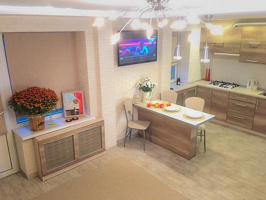 1-комнатная квартира посуточно в Виннице. Старогородский район, ул. Замостянская, 36. Фото 1