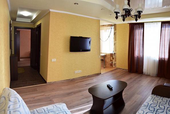 2-комнатная квартира посуточно в Донецке. Ворошиловский район, б-р Шевченко, 10. Фото 1