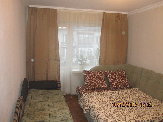 1-комнатная квартира посуточно в Луцке. ул. Шухевича, 2. Фото 1
