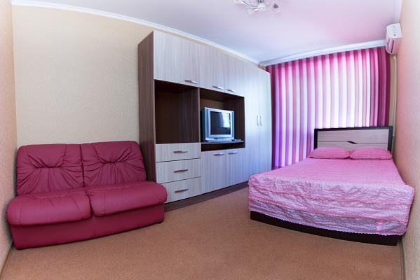 1-комнатная квартира посуточно в Одессе. Приморский район, ул. Филатова, 16. Фото 1