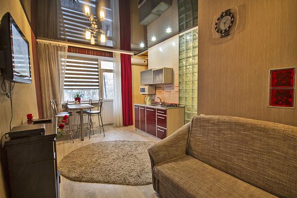 2-комнатная квартира посуточно в Харькове. Дзержинский район, пр-т Науки, 24. Фото 1