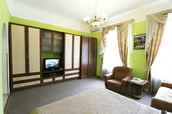 1-комнатная квартира посуточно в Львове. Галицкий район, ул. Маера Балабана, 2. Фото 1