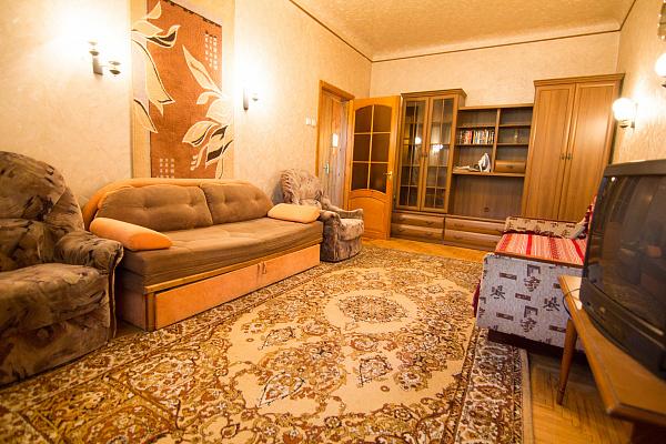 1-комнатная квартира посуточно в Днепропетровске. Бабушкинский район, ул. Титова, 9. Фото 1