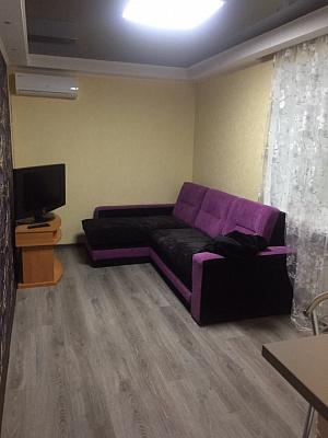 2-комнатная квартира посуточно в Белгороде-Днестровском. ул. Победы, 5. Фото 1