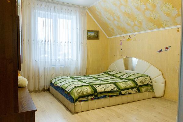 Дом  посуточно в Каменце-Подольском. ул. Любы Берлин, 10. Фото 1