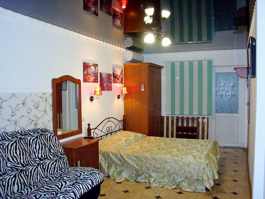 1-комнатная квартира посуточно в Новом свете. ул. Шаляпина, 16. Фото 1