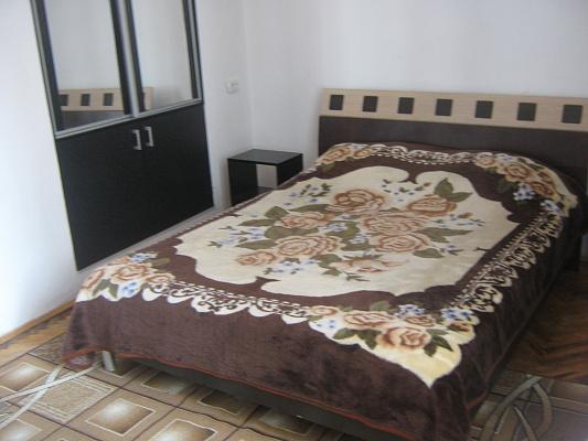1-комнатная квартира посуточно в Львове. Галицкий район, ул. Академика Гнатюка, 12. Фото 1