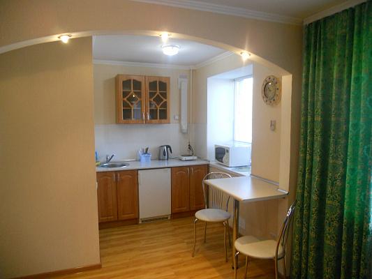 1-комнатная квартира посуточно в Мелитополе. ул. Ивана Алексеева, 18. Фото 1