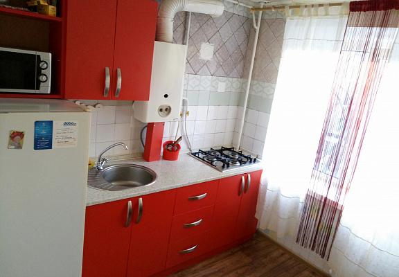 1-комнатная квартира посуточно в Чернигове. Деснянский район, пр-т Победы, 201. Фото 1