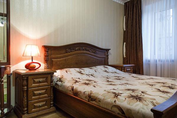 2-комнатная квартира посуточно в Николаеве. Центральный район, пр-т Центральный, 71-А. Фото 1