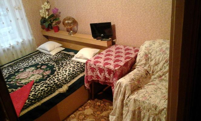 1-комнатная квартира посуточно в Ивано-Франковске. ул. Гната Хоткевича, 46. Фото 1
