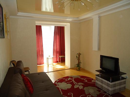 2-комнатная квартира посуточно в Луцке. пр-т Соборности, 37. Фото 1