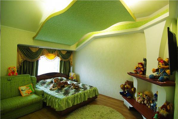 1-комнатная квартира посуточно в Алуште. ул. Саранчева, 36. Фото 1
