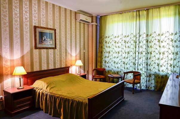 1-комнатная квартира посуточно в Киеве. ул. Жилянская, 59. Фото 1