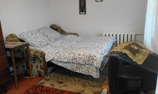 1-комнатная квартира посуточно в Хмельницком. ул. Соборная, 58. Фото 1