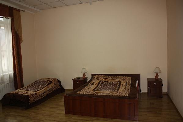 1-комнатная квартира посуточно в Мукачево. пл. Кирилла и Мефодий, 5. Фото 1