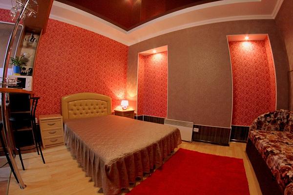 1-комнатная квартира посуточно в Кировограде. Ленинский район, ул. Егорова,  19. Фото 1