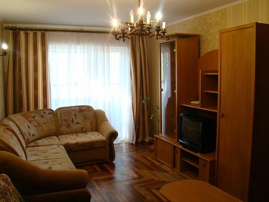 2-комнатная квартира посуточно в Запорожье. Жовтневый район, ул. Крепостная, 5. Фото 1