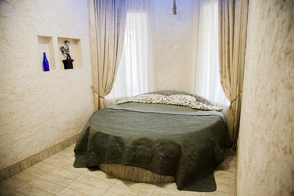 1-комнатная квартира посуточно в Одессе. Приморский район, ул. Большая Арнаутская, 47. Фото 1