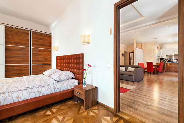 2-комнатная квартира посуточно в Львове. Галицкий район, ул. Братьев Рогатинцев, 4. Фото 1