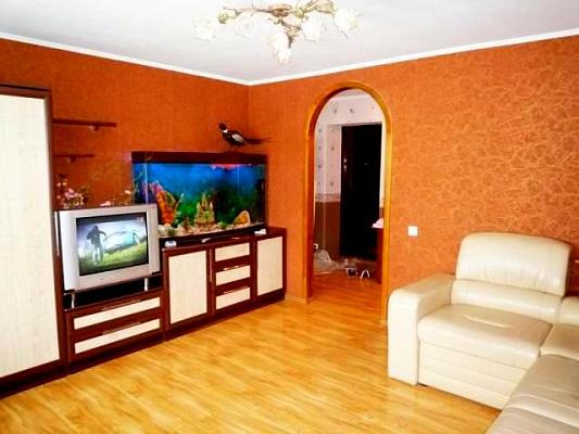 2-комнатная квартира посуточно в Черкассах. б-р Шевченко, 376. Фото 1