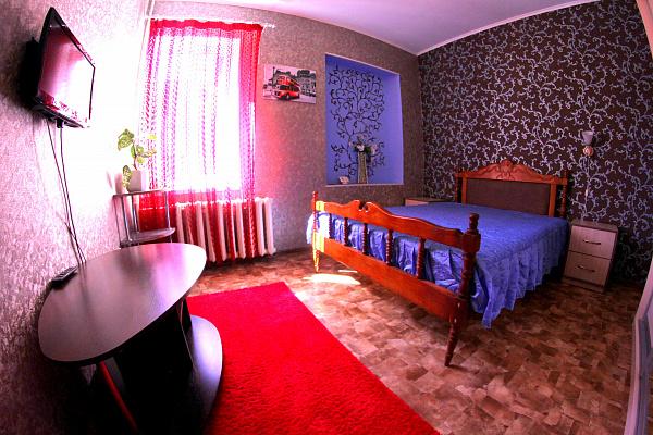 1-комнатная квартира посуточно в Кировограде. Кировский район, ул. Декабристов, 24. Фото 1